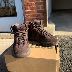 Yeezy desert boots (oil)